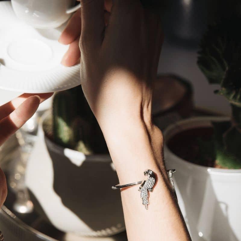 Bracciale pappagallo in argento 925 con pietre bianche Thais Bernardes Gioielli