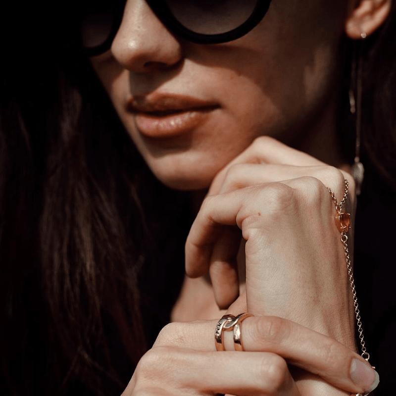 anello infinito in argento 925 con scritta per sempre. Thais Bernardes Gioielli