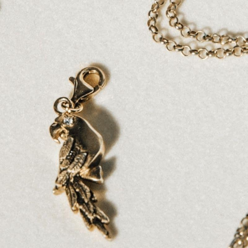 Charm pappagallo in argento 925 placcato oro Thais Bernardes Gioielli