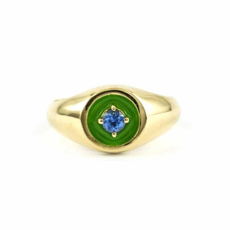 anello mini chevalier in oro 18K con zaffiro blu Thais Bernardes Gioielli
