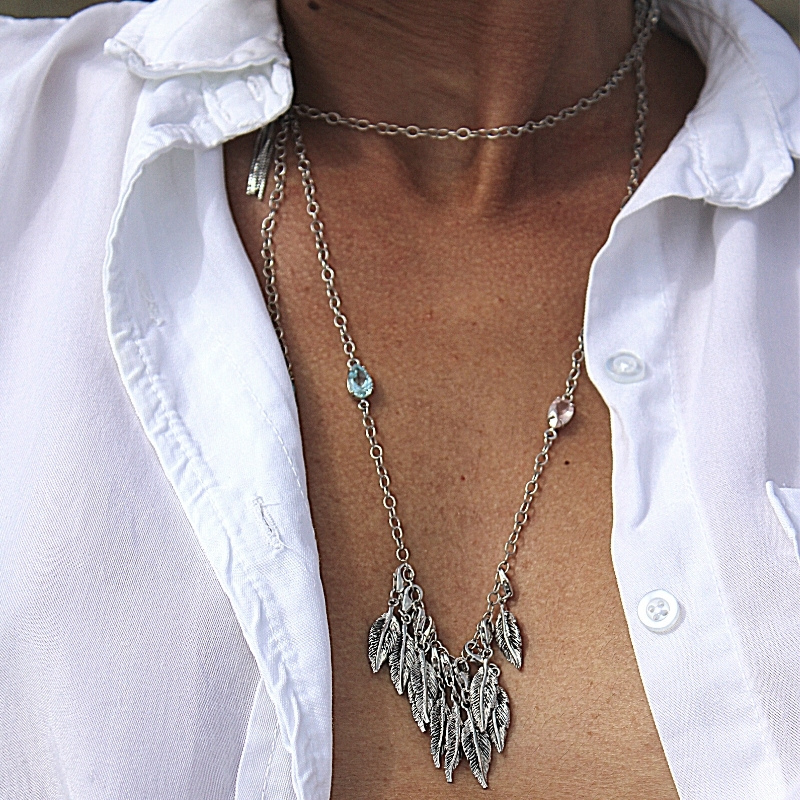 Feather's charms long necklace