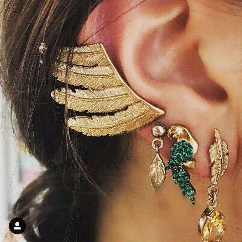 mini mono orecchino piume in argento 925 placcato oro Thais Bernardes Gioielli