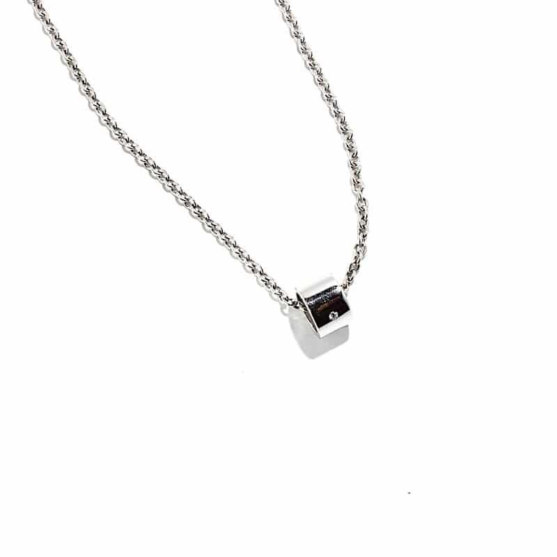 Necklace with pendant IO TU